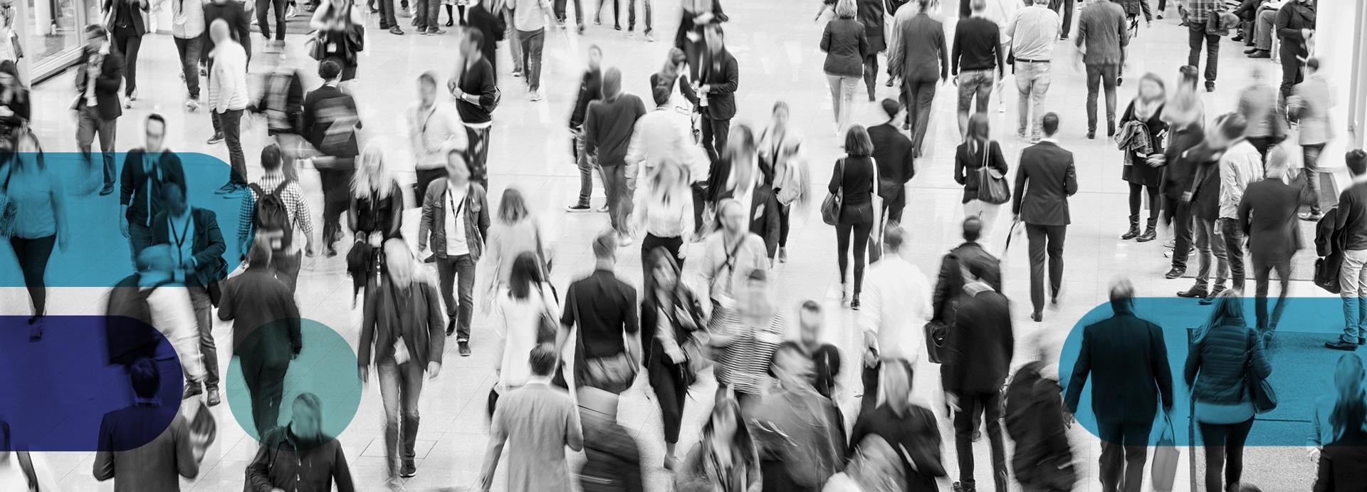 Projekt ProfiBaza zdrowie publiczne - zdjęcie ludzi na ulicy