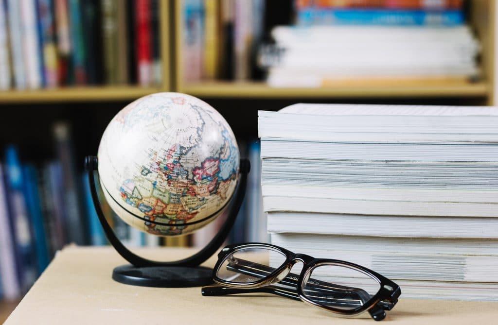 Globus w bibliotece